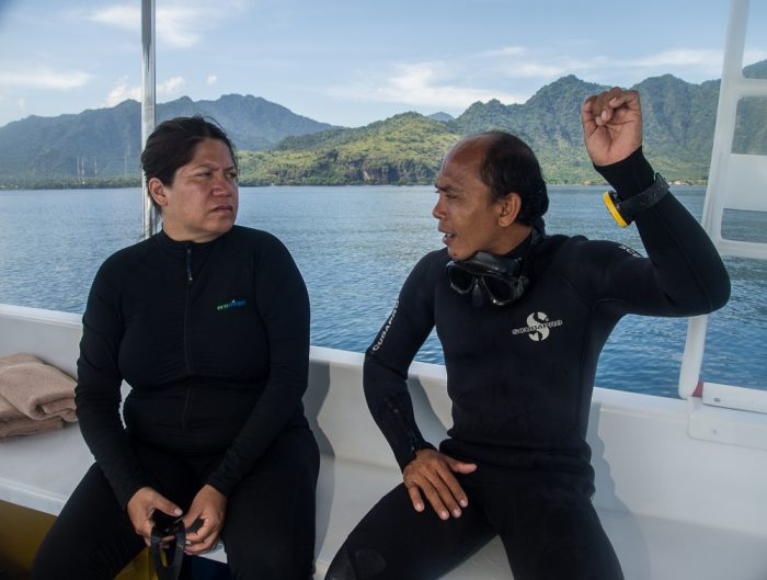 Wayan sharing some buoyancy control tips with Katyiza