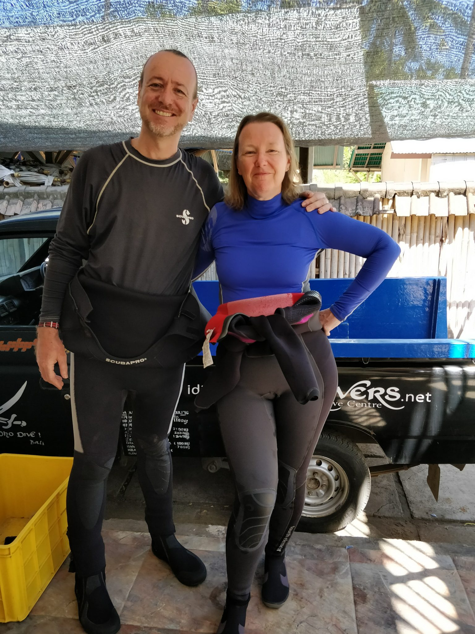 Capt Paul and Kate read to Try Scuba